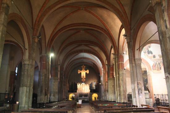 Campanile foto di basilica di sant 39 eustorgio milano for Piazza sant eustorgio