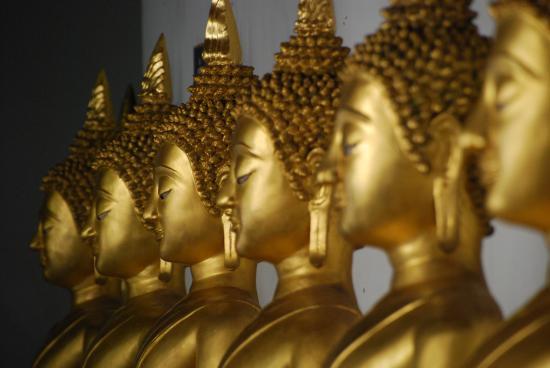 Inside the temple - Picture of Phra Si Ratana Temple (Wat Yai), Phitsanulok -...