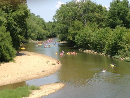 Waters Edge Canoe Livery
