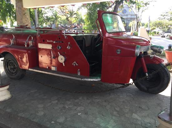 Quezon park fire engine display