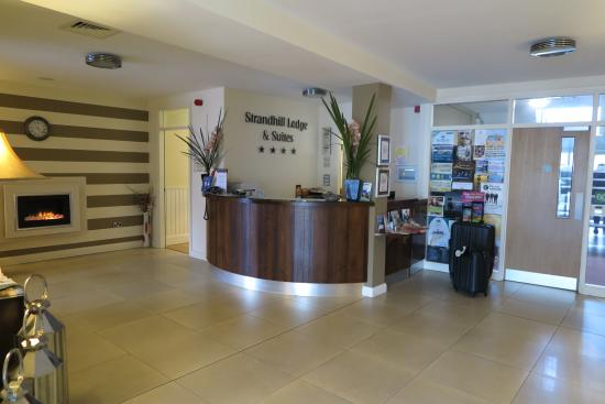Strandhill Lodge and Suites Hotel Image