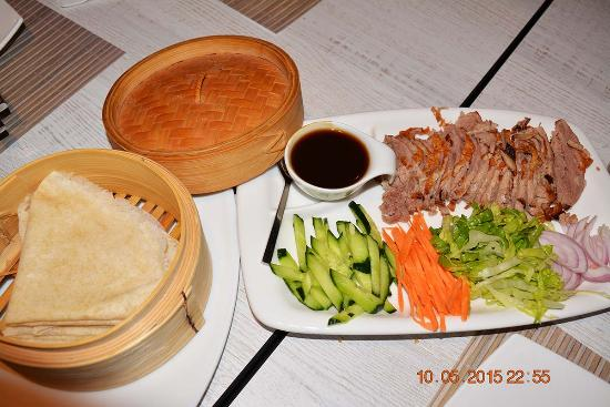 Twin Dragon: peking duck with pancakes