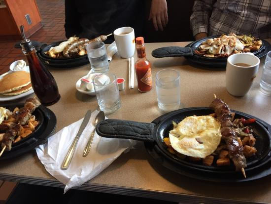 Newbury Park, Californië: Skillet breakfast times 4
