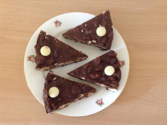 St. Peter, UK: Yummy chocolate refrigerator cake!
