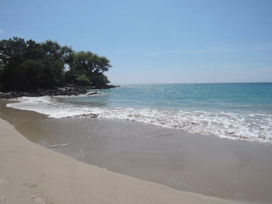 Mau'umae Beach