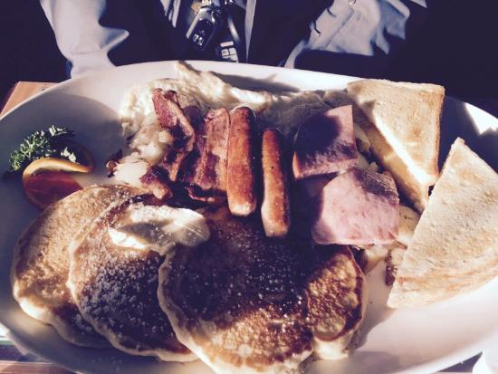 Agassiz, Canadá: Colossal whatever breakfast (of champions)