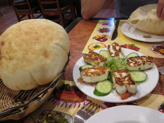 Lebanese Village Grill and Restaurant: lovely fresh bread and Halloumi
