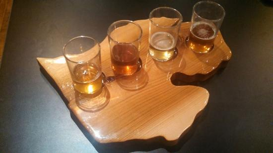Clare, MI: Try a flight of craft beer!