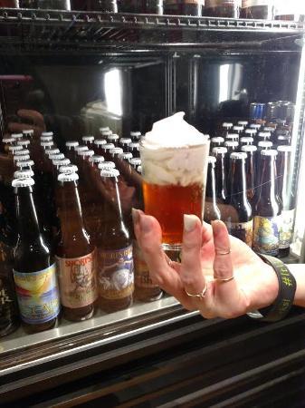 แคลร์, มิชิแกน: Over 70 different Craft Beers to choose from with 3 on Tap!