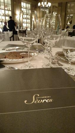 Restaurant Sèvres im Grandhotel Hessischer Hof: Restaurant Sevres im Hotel Hessischer Hof