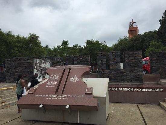 Usizo Lwenkosi Soweto Tours