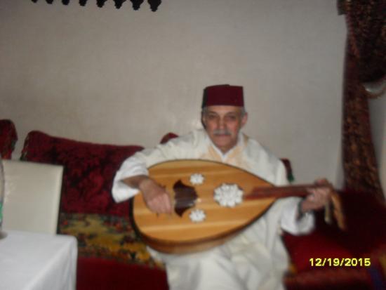 L'Ambre at Riad Fes: musician