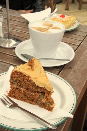 Dunwich, UK: Scrummy Coffee & Cakes