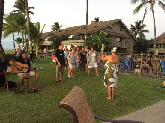 Kahana Village: Mai tai luau