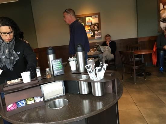 "Los Gatos, Kaliforniya: ""Waiting for coffee order"""