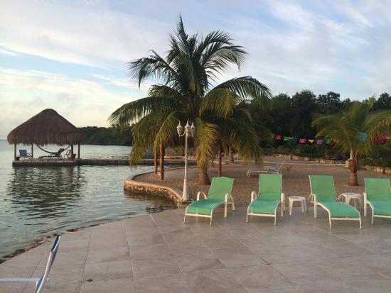 Flora del hotel photo de bacalar lagoon resort bacalar for Hotel luxury villas bacalar