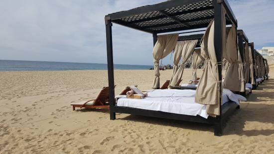 Pueblo Bonito Sunset Beach Golf and Spa Resort: Beach beds