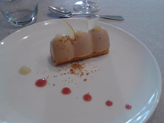 Saint Lieux les Lavaur, France : dessert - mousse praliné
