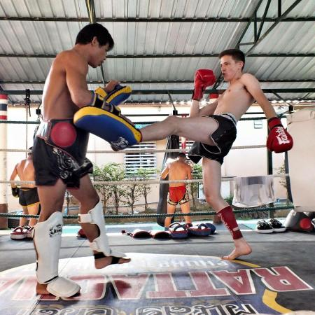 ‪Rattachai Muay Thai Gym - Day Classes‬