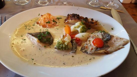 Quettehou, Γαλλία: La Chaumiere Hotel
