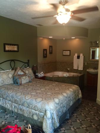 Victoria Resort Bed & Breakfast: Queen suite