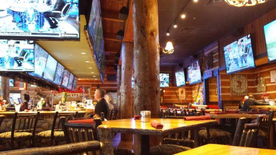 Twin Peaks Restaurants Photo