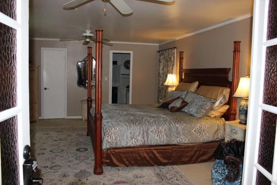 Casa Blanca Inn: Upstairs bedroom