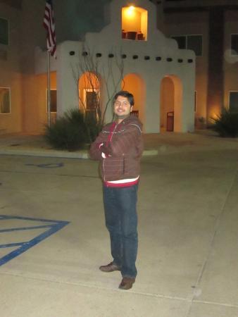 Alpine, TX: Front of hotel