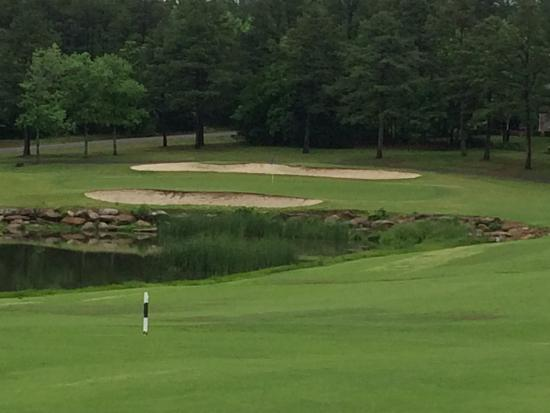 Fairfield Bay, AR: Not a lot of water hazards on this course. But it plays long when the course is wet.