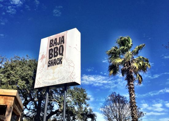 Baja BBQ Shack: Great day to sit outside. The view was great & the weather was gorgeous.  Enjoyed a Texarita for