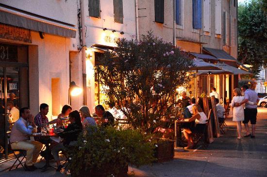 En terrasse au coeur de Saint-Rémy-de-Provence, Gus restaurant | © crédits photos capsulecommuni - Gus Restaurant, Saint-Remy-de-Provence - Tripadvisor