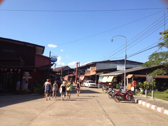 Lanta Old Town: main street old town