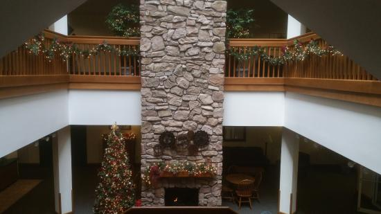 Farmstead Inn: Inside lobby decorated for Christmas (2015)