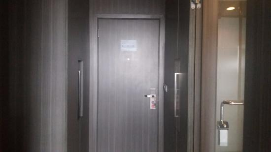 Novotel Bangka Hotel & Convention Center: konsep kamar yang bagus