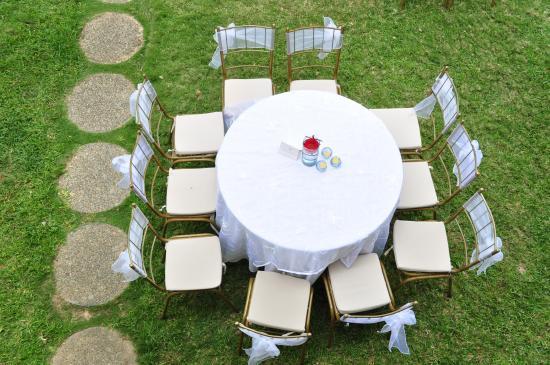 posada margot vista area de mesa decorada para boda