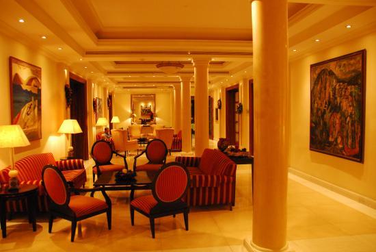 Curium Palace Hotel: Salone