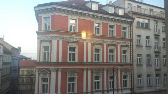 Ibis Praha Wenceslas Square: 20151223_080435_large.jpg