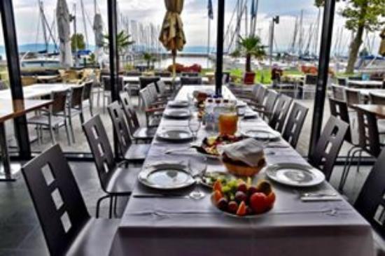 Balatonlelle, Macaristan: Restaurant