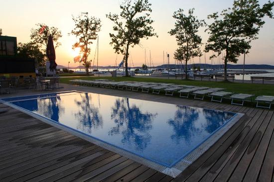 Balatonlelle Hungary  city photos : Balatonlelle, Hungary: Pool