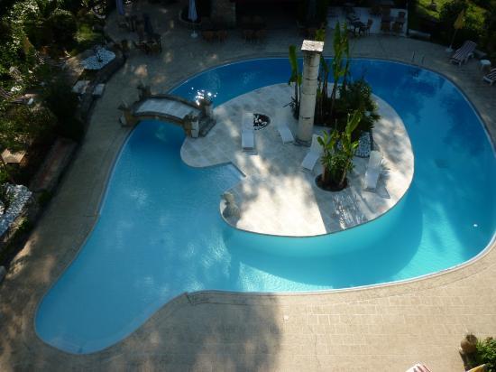 Les Messugues : piscine chauffée