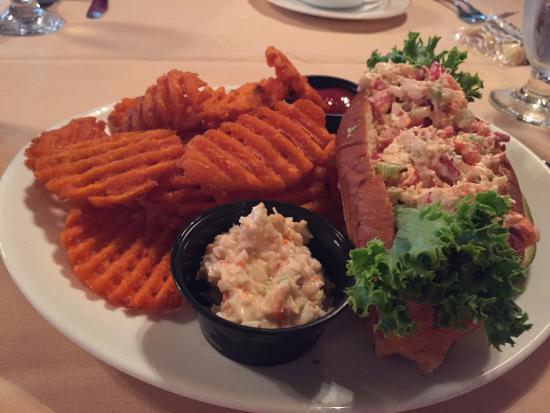 Greenport, NY: lobster roll