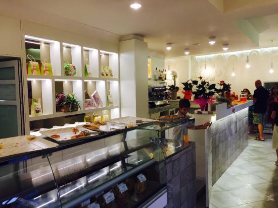 bancone - Picture of bar pizzeria Antista, Pisa - TripAdvisor