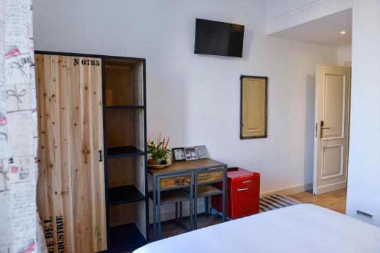 Mobili Legno Recuperato : Minibar vintage e mobili in legno di recupero bild von adelina