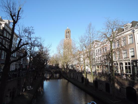 Dom Tower: 運河からの眺め