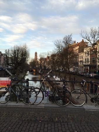 Dom Tower: 自転車と運河とドム塔