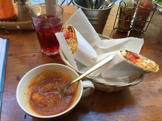 Luncheonette Cafe: Menu à 20chf. Soupe du jour, wrap + the froid maison