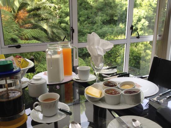 A Woodlands Retreat: gorgeous breakfast