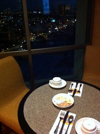 Holiday Inn Express Guadalajara Expo: 朝食時の風景③