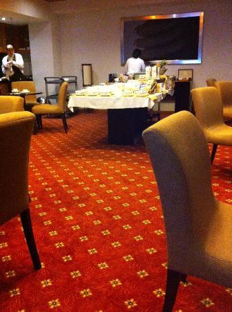 Holiday Inn Express Guadalajara Expo: 朝食時の風景①