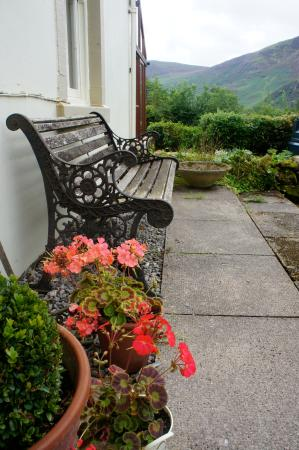 Ennerdale Bridge, UK: Patio view of lake and fells